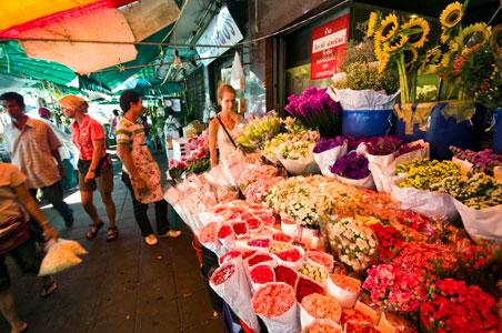 Pak Khlong Talat flower market. Source: ivivu.com